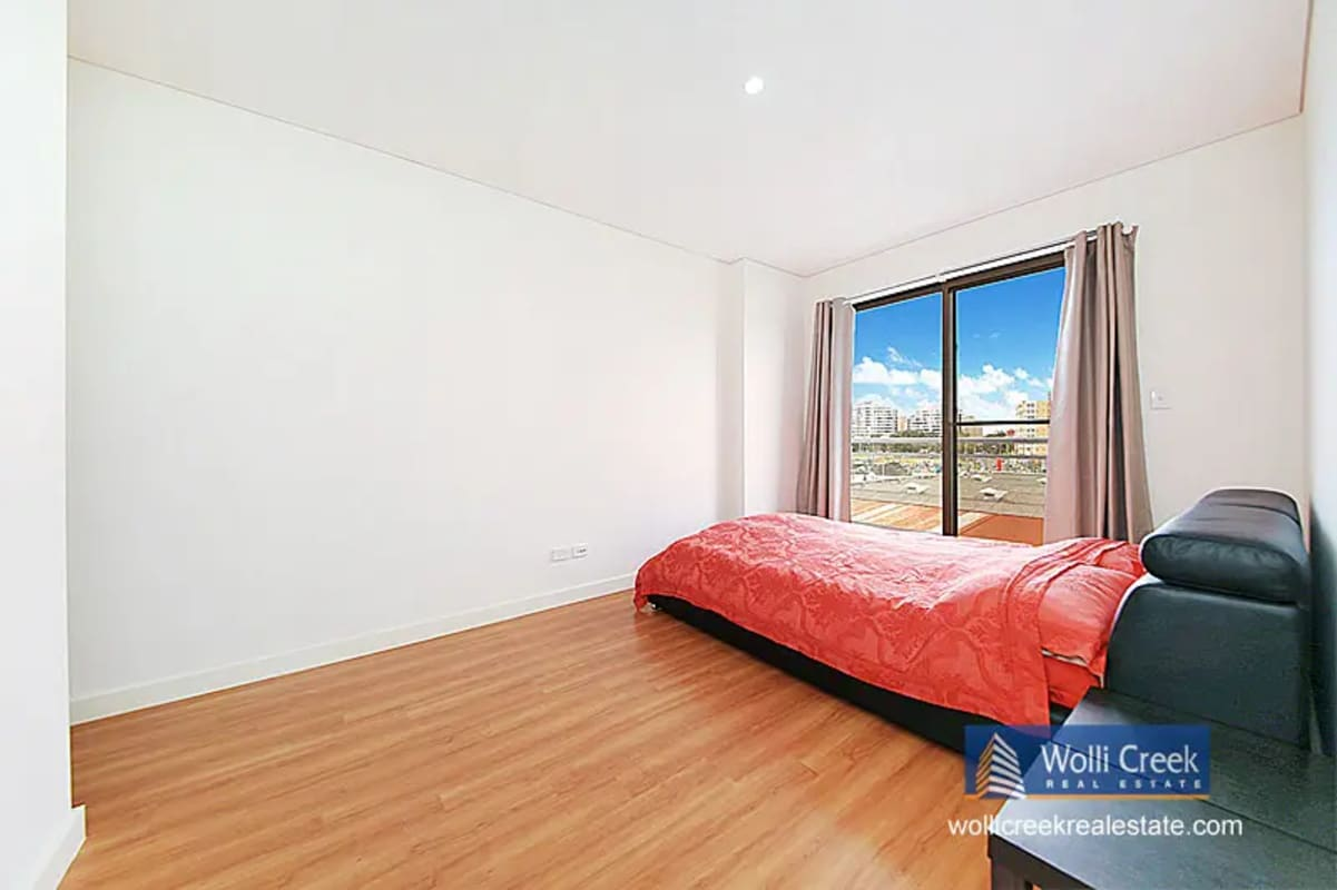 $250, Flatshare, 3 bathrooms, Arncliffe Street, Wolli Creek NSW 2205