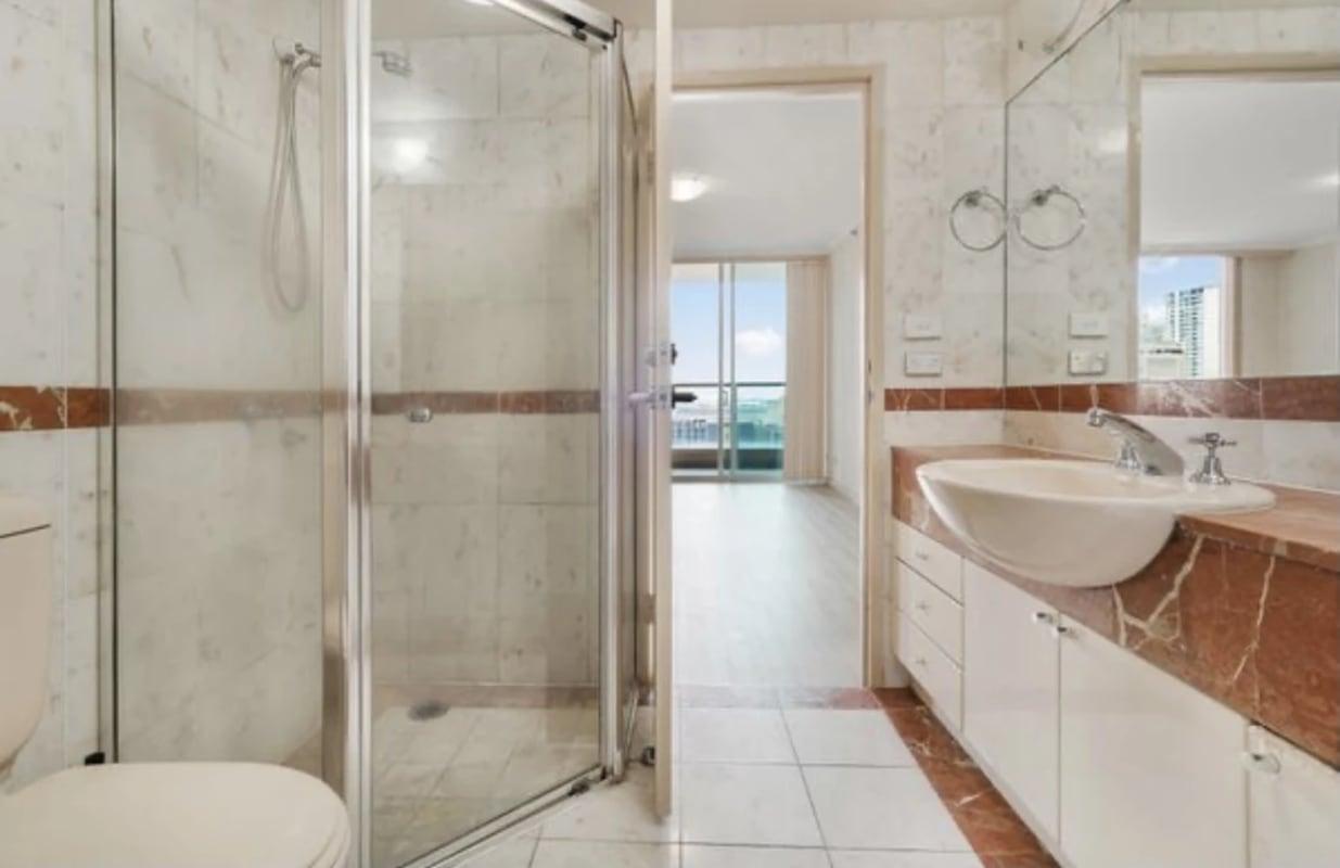 $400, Flatshare, 2 bathrooms, Pitt Street, Sydney NSW 2000