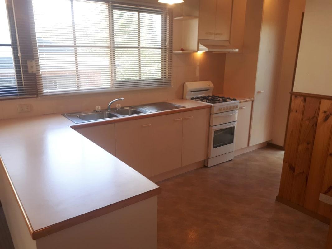 $325, Granny-flat, 1 bathroom, Finlayson Street, Doncaster VIC 3108