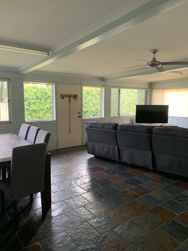 $165, Share-house, 3 bathrooms, Waree Drive, Hillvue NSW 2340