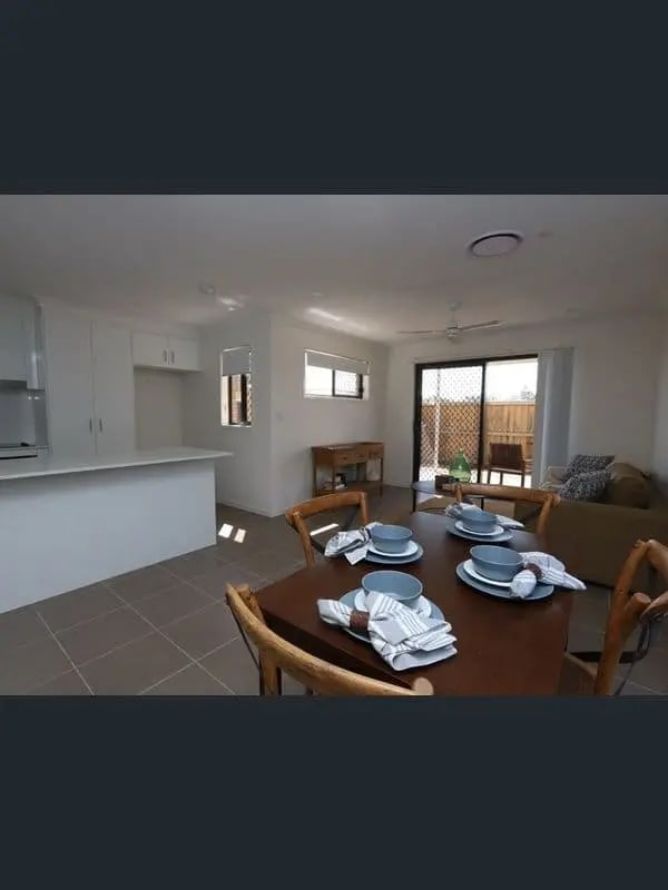 $130, Share-house, 3 bathrooms, Falso Place, Doolandella QLD 4077