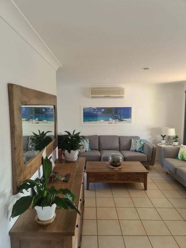 $250, Share-house, 4 bathrooms, Mildura Drive, Helensvale QLD 4212