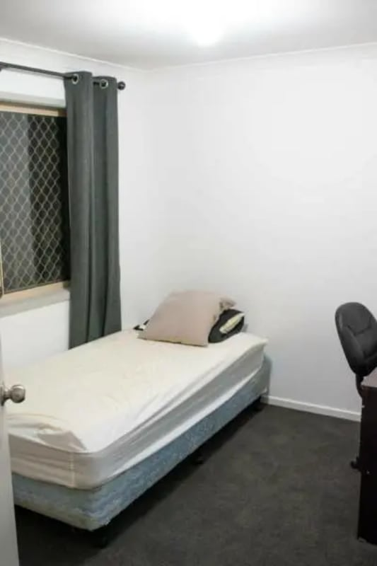 $180, Student-accommodation, 5 bathrooms, Sidney Nolan Drive, Coombabah QLD 4216
