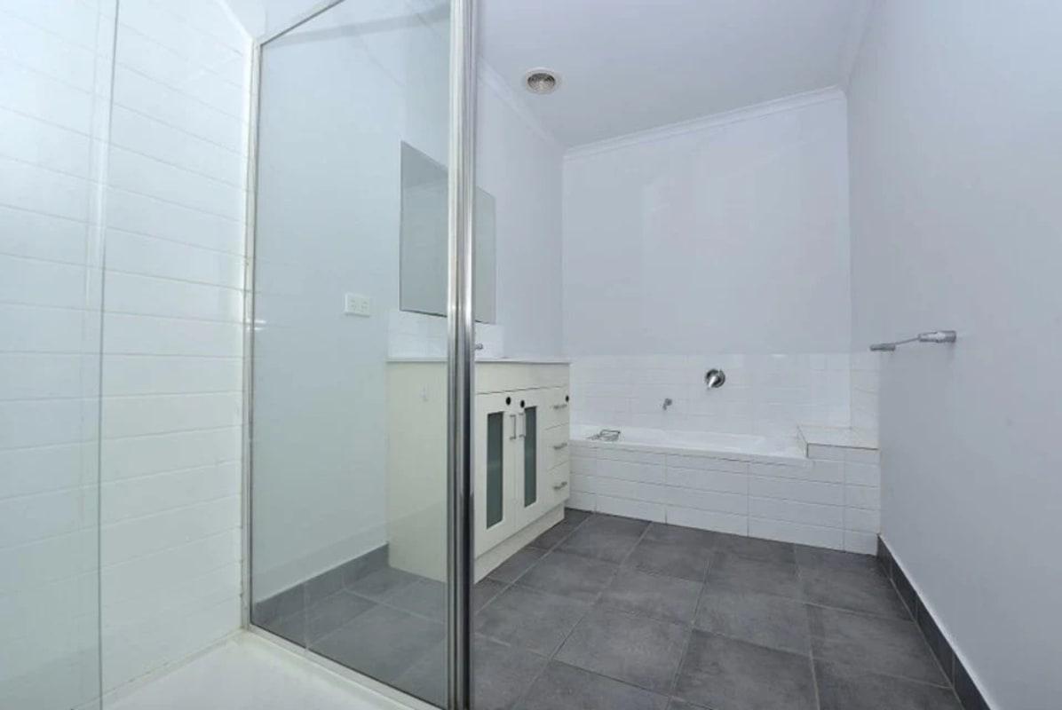$200, Flatshare, 3 bathrooms, Screen Street, Frankston VIC 3199