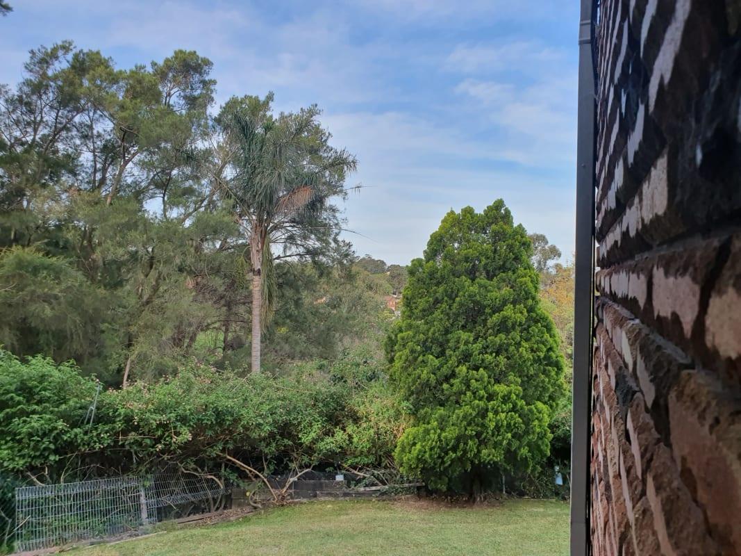 $325, 1-bed, 1 bathroom, Derribong Drive, Cordeaux Heights NSW 2526