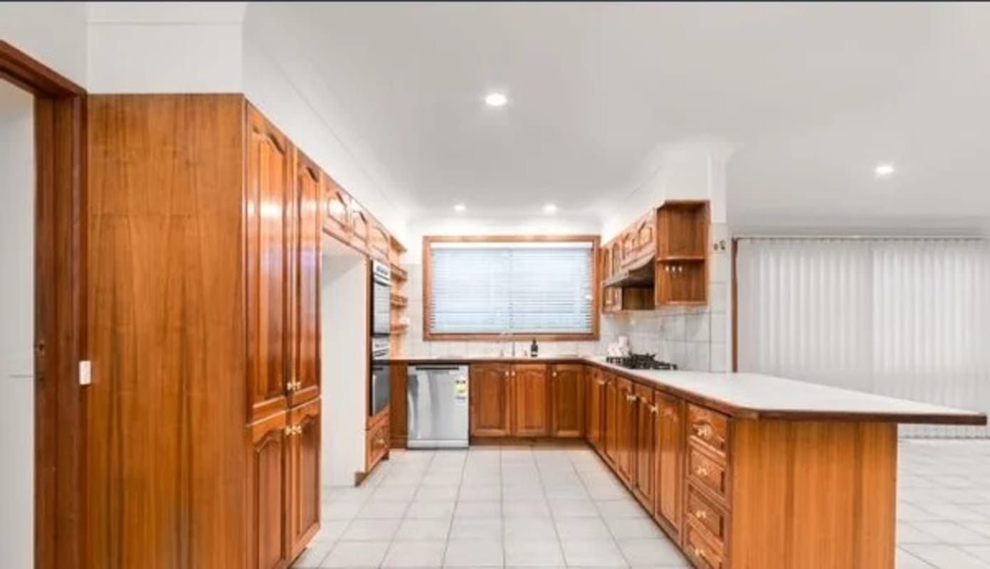 $200, Share-house, 6 bathrooms, Peppercorn Parade, Epping VIC 3076