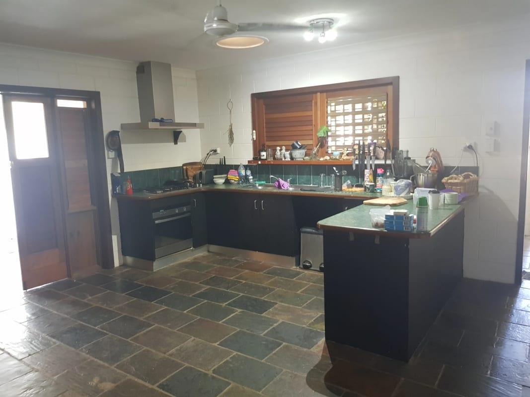 $190, Share-house, 4 bathrooms, Leslie Street, Mooroobool QLD 4870