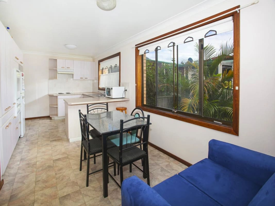 $180, Share-house, 4 bathrooms, Gilmore Street, West Wollongong NSW 2500