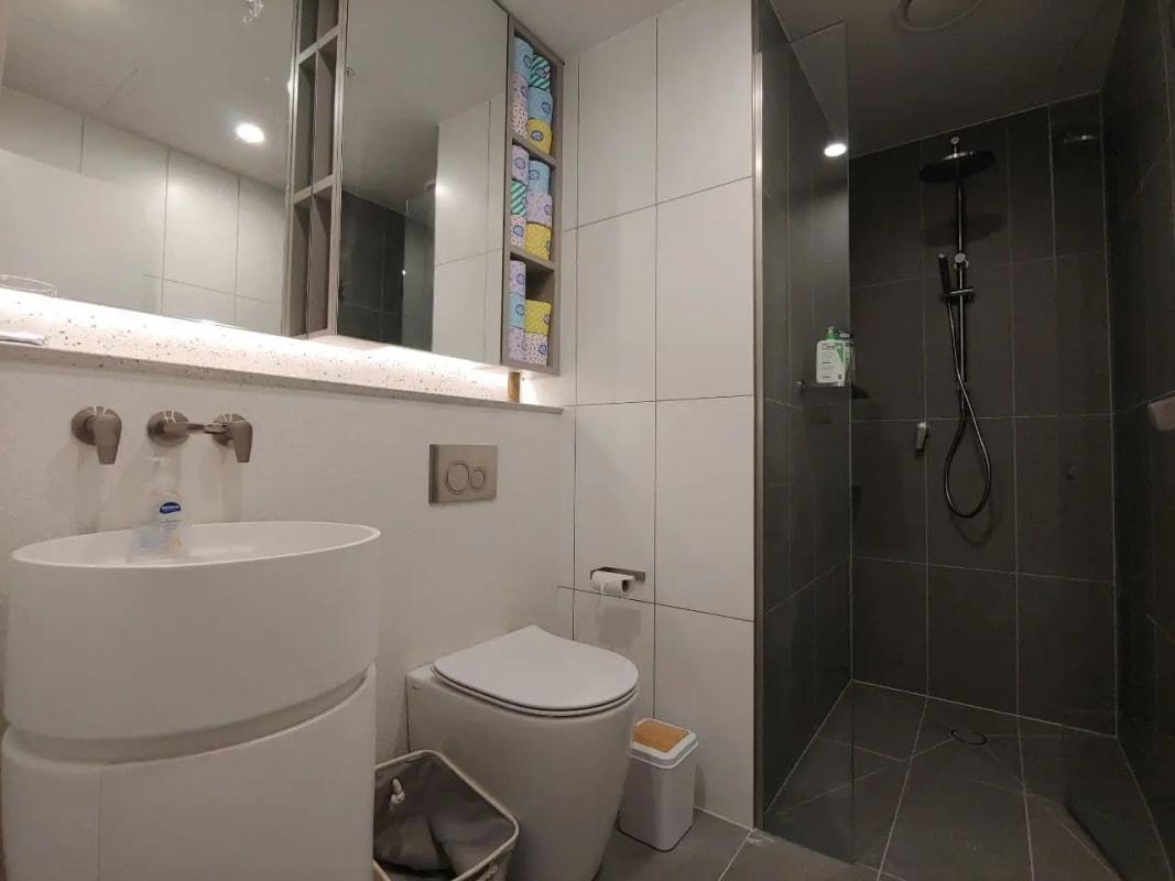 $305, Flatshare, 2 bathrooms, Little Lonsdale Street, Melbourne VIC 3000