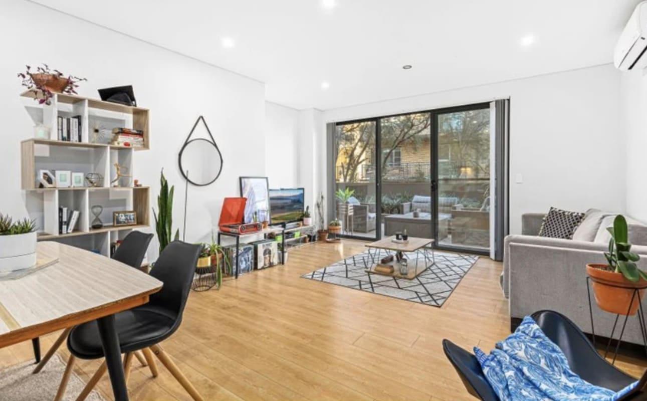 $480, Whole-property, 2 bathrooms, Hercules Street, Wollongong NSW 2500