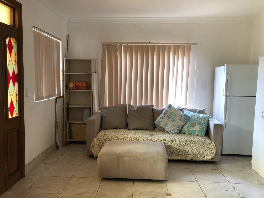 $160, 1-bed, 1 bathroom, Houston Road, Kensington NSW 2033