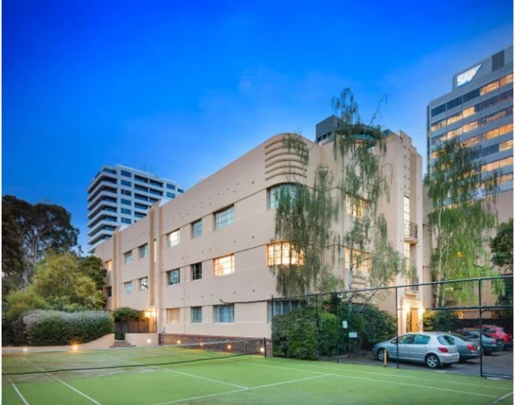 $215, Flatshare, 2 bathrooms, Queens Road, Melbourne VIC 3004