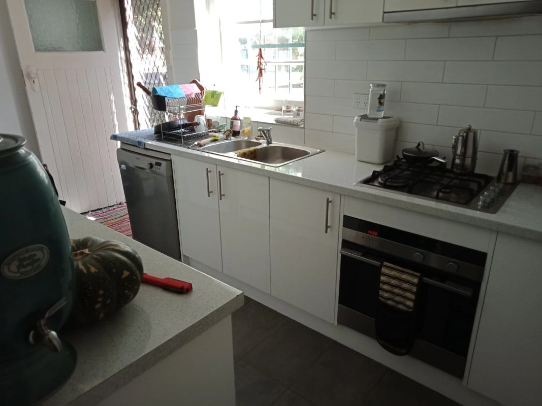$180, Share-house, 3 bathrooms, Dandenong Road, St Kilda East VIC 3183