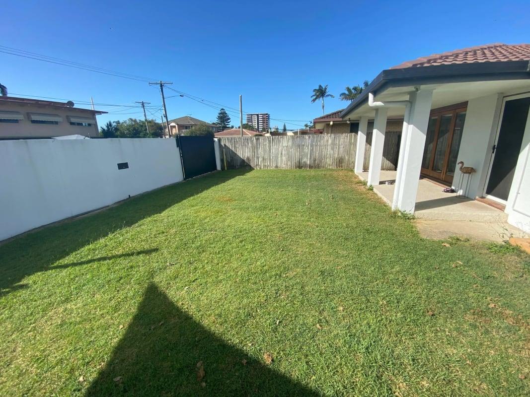 $220, Share-house, 4 bathrooms, Illaroo Street, Palm Beach QLD 4221