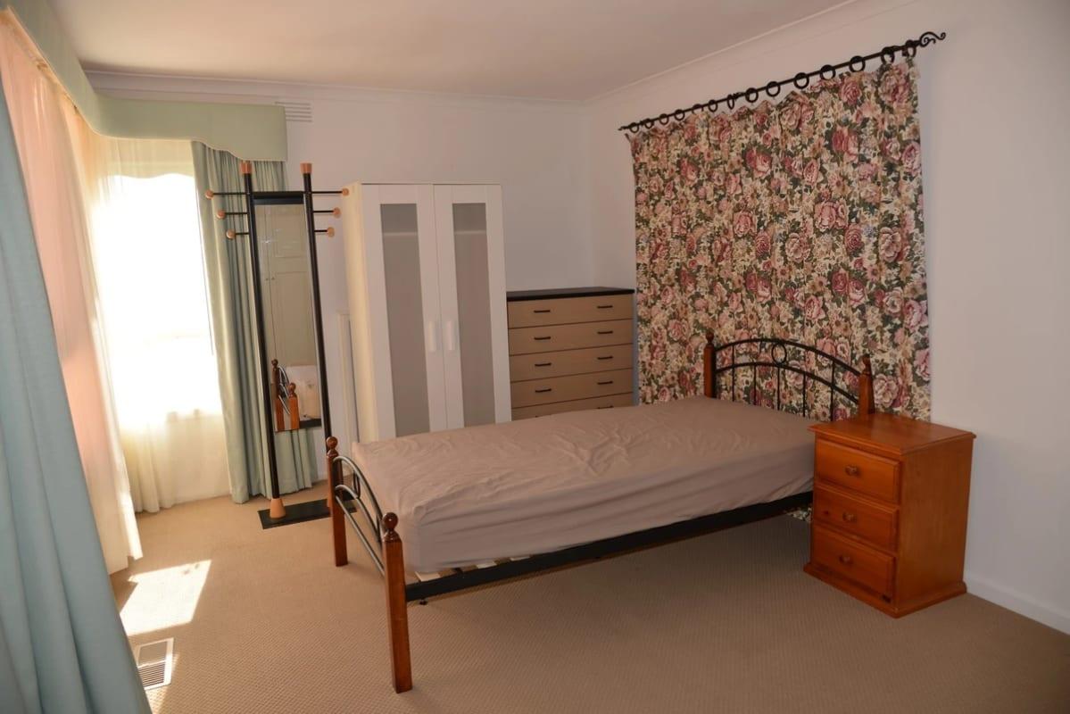 $195, Share-house, 3 rooms, Risdon Drive, Notting Hill VIC 3168, Risdon Drive, Notting Hill VIC 3168