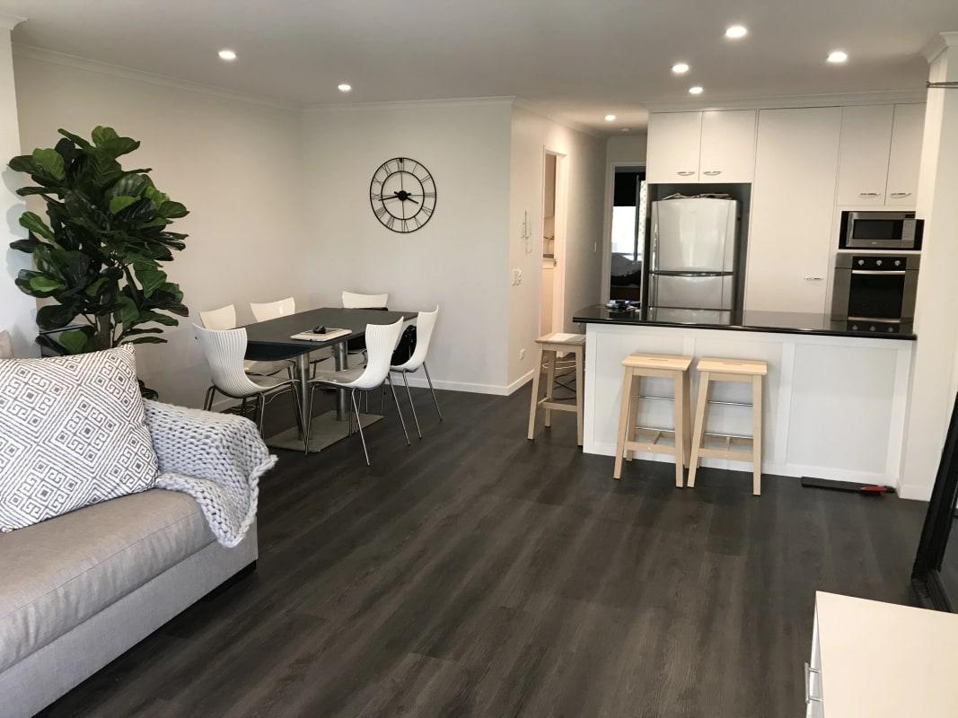 $200, Flatshare, 2 bathrooms, Monaco Street, Broadbeach Waters QLD 4218
