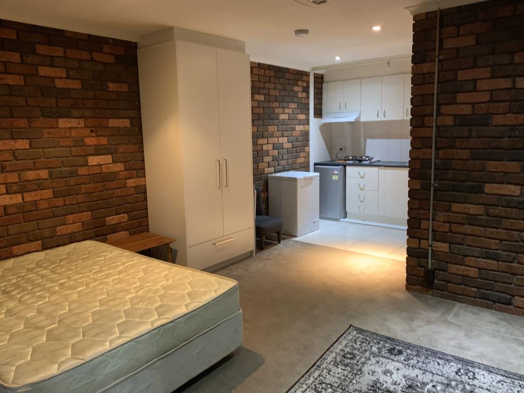 $230, Student-accommodation, 1 bathroom, Nepean Highway, Frankston VIC 3199