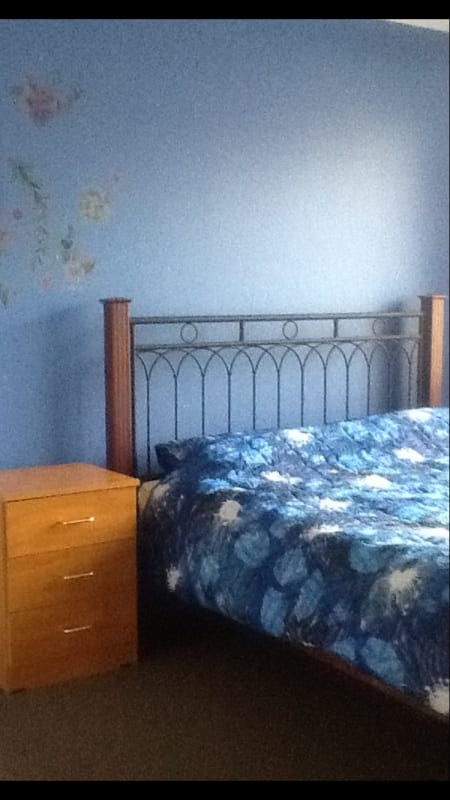 $120-130, Homestay, 5 rooms, Hartle Lane, Brookdale WA 6112, Hartle Lane, Brookdale WA 6112