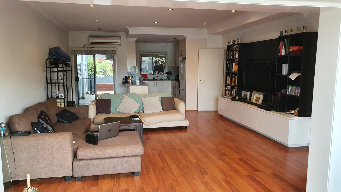 $220, Share-house, 3 bathrooms, Rawlinson Avenue, Wollongong NSW 2500