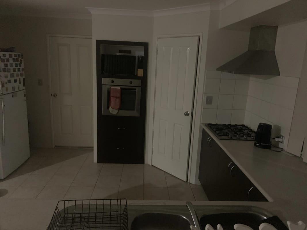 $220, Share-house, 4 bathrooms, Aparri Way, Port Kennedy WA 6172