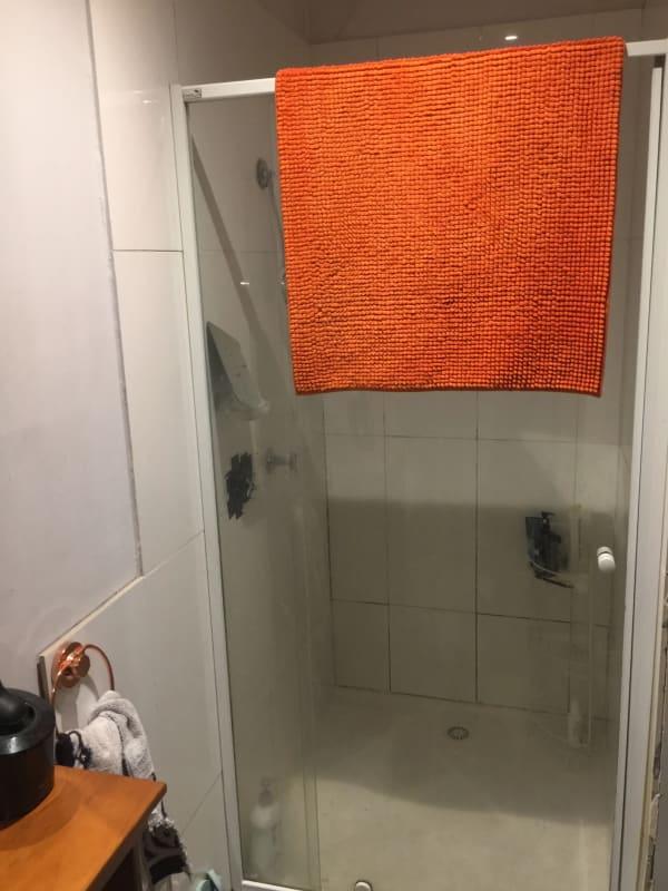 $250, Share-house, 3 bathrooms, Lygon Street, Carlton VIC 3053