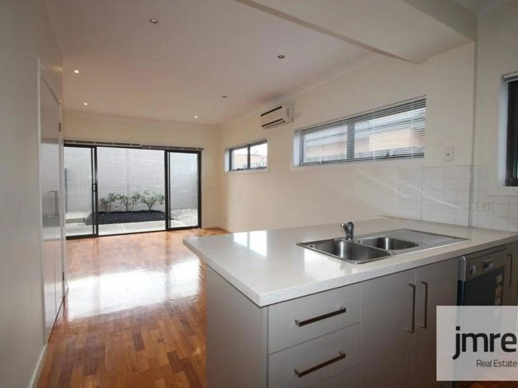$170, Share-house, 2 bathrooms, Pascoe Vale Road, Glenroy VIC 3046