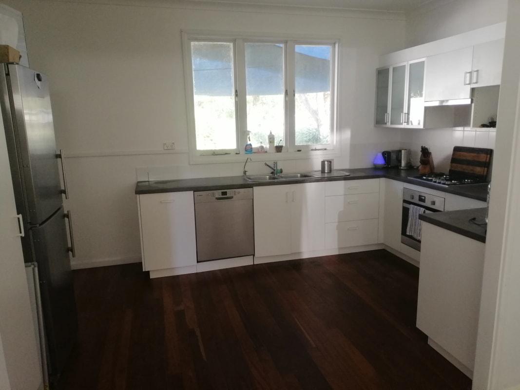 $250, Share-house, 4 bathrooms, Bromley Road, Hilton WA 6163