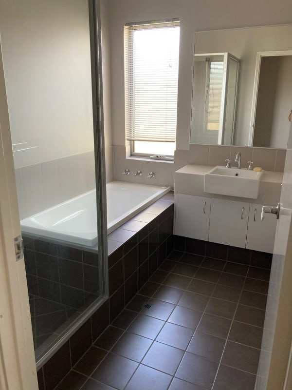 $175, Share-house, 3 bathrooms, Moore Street, Bunbury WA 6230