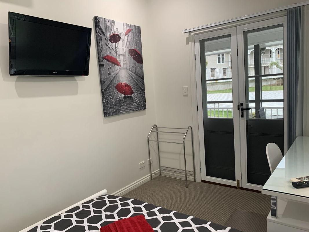 $215, Share-house, 4 bathrooms, Kings Road, Taringa QLD 4068