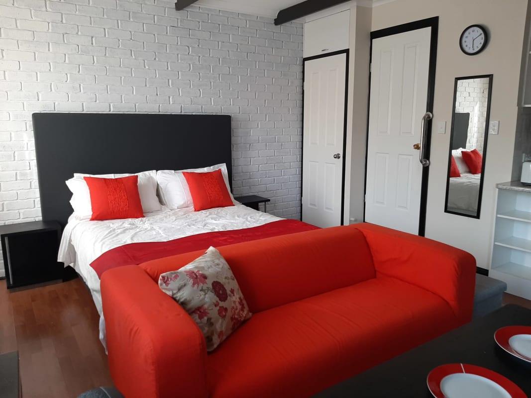 $300, Studio, 1 bathroom, Santa Catalina Crescent, Seaford Rise SA 5169