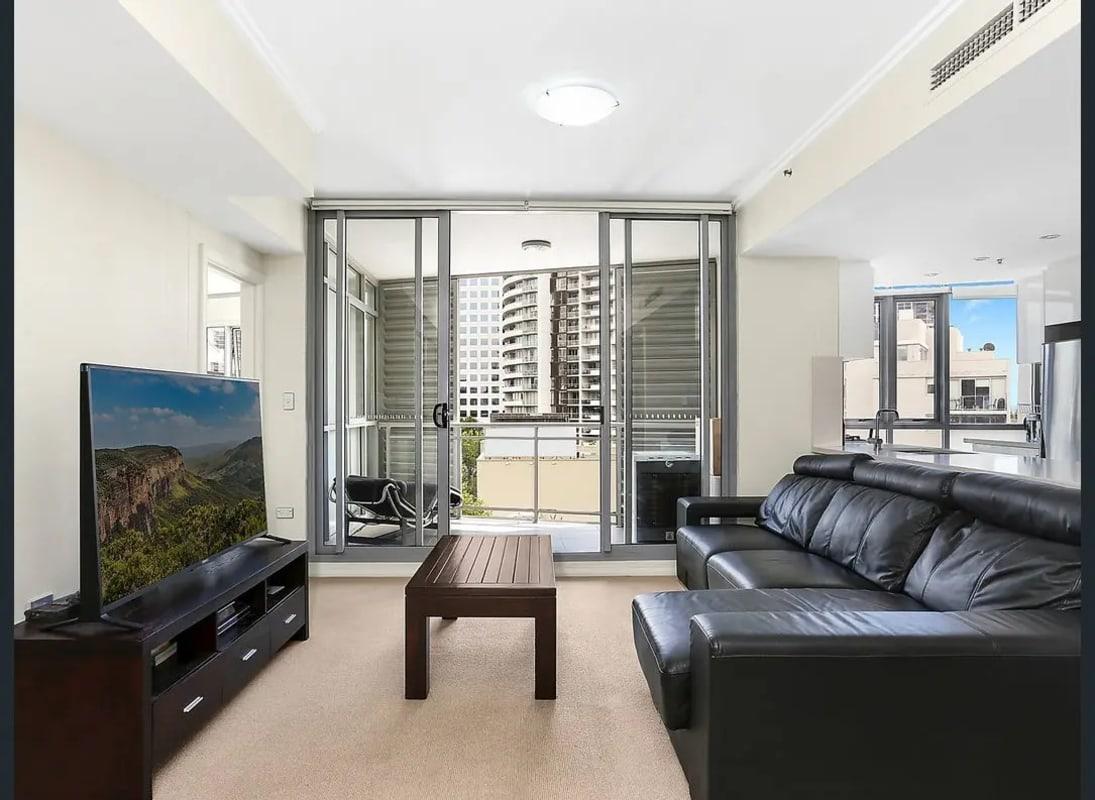 $360, Flatshare, 2 bathrooms, Pacific Highway, St Leonards NSW 2065