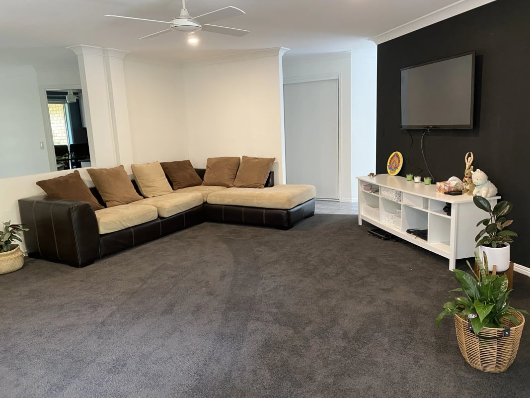 $250, Share-house, 4 bathrooms, Sunset Drive, Little Mountain QLD 4551