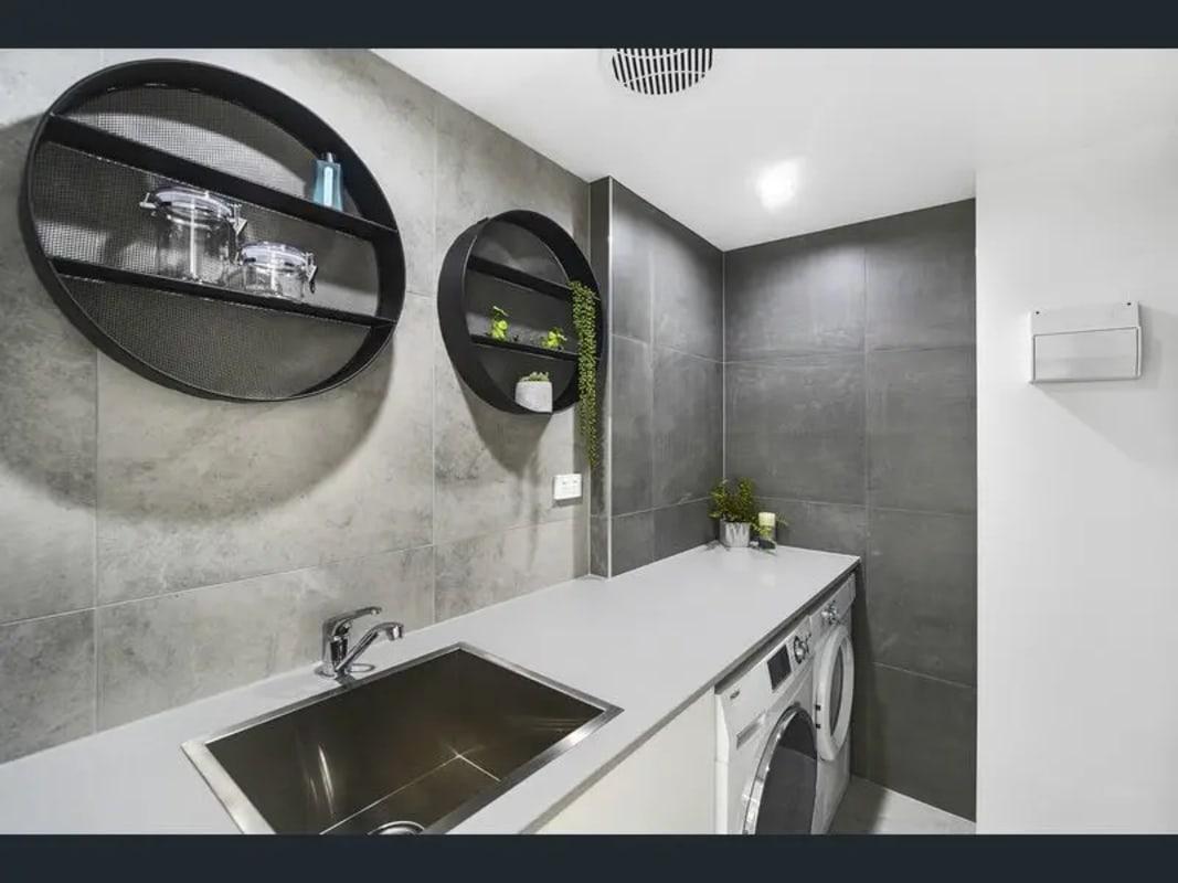 $250, Flatshare, 2 bathrooms, Gold Coast Highway, Mermaid Beach QLD 4218