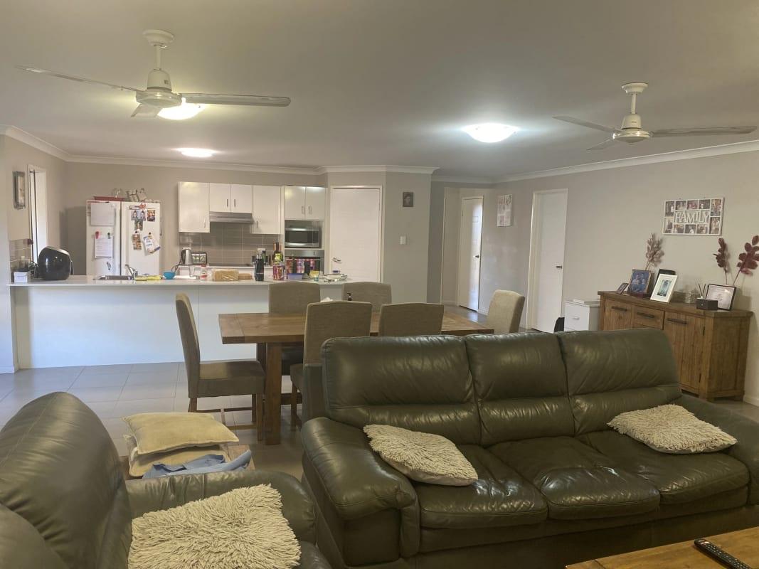 $200, Share-house, 4 bathrooms, Jim Goldston Avenue, Norman Gardens QLD 4701