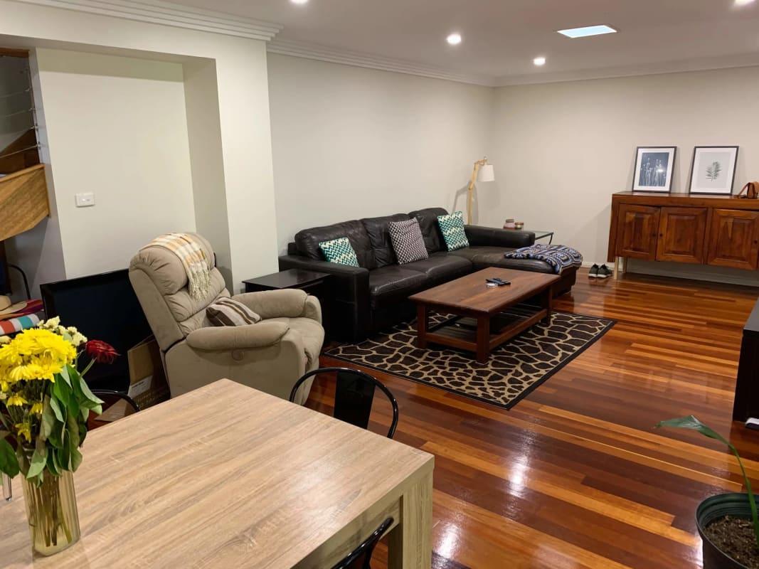$250, Flatshare, 3 bathrooms, Denison Street, Wollongong NSW 2500