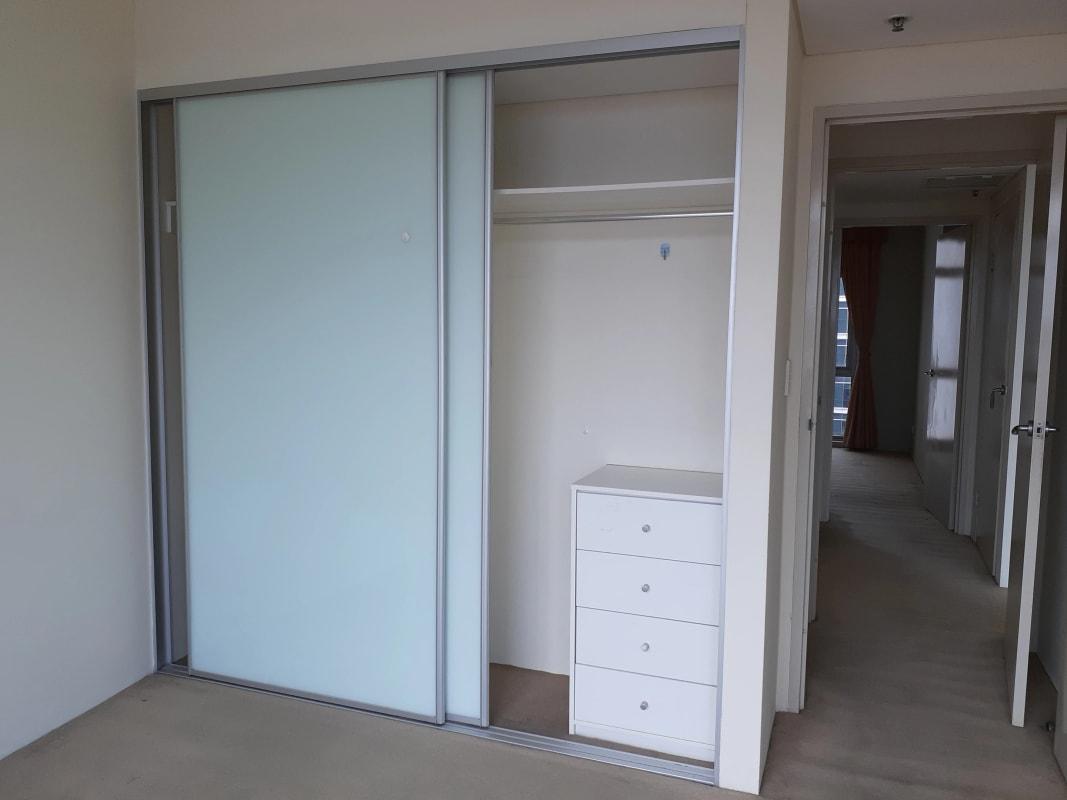 $250, Flatshare, 2 rooms, George Street, Sydney NSW 2000, George Street, Sydney NSW 2000