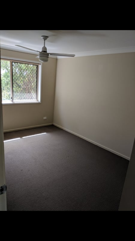 $210, Share-house, 2 bathrooms, Ben Lomond Drive, Highland Park QLD 4211