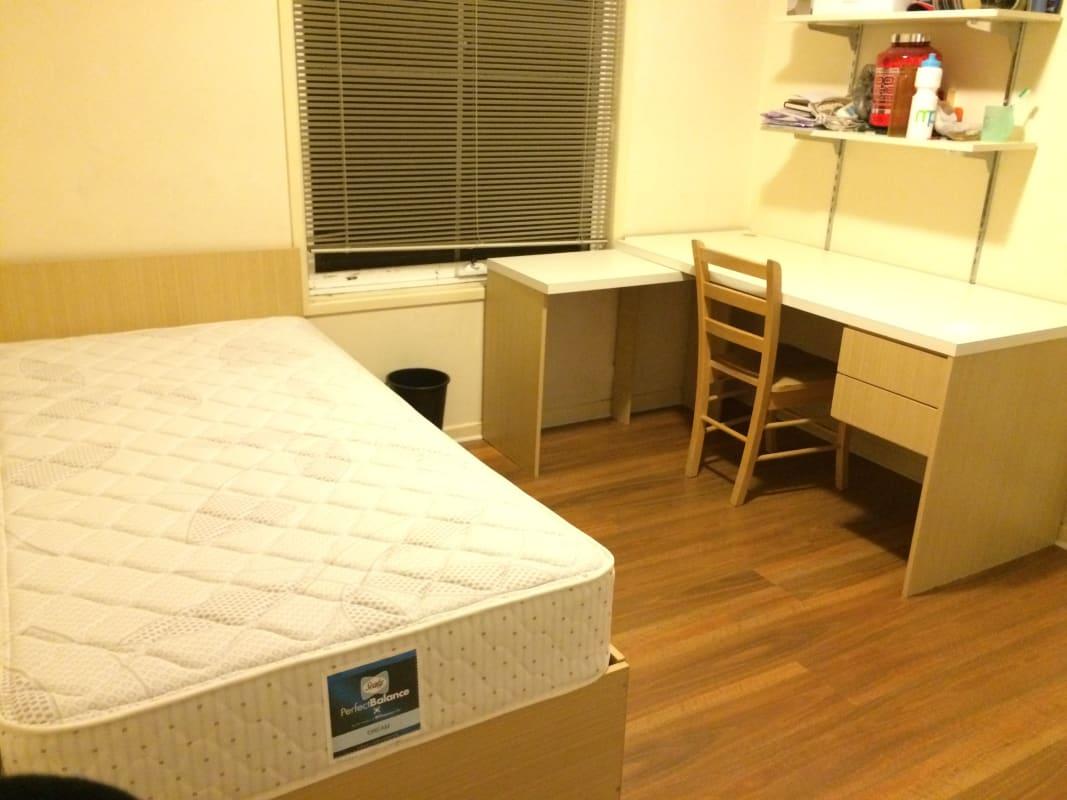 $200-210, Flatshare, 3 rooms, Dandenong Rd, Malvern East VIC 3145, Dandenong Rd, Malvern East VIC 3145