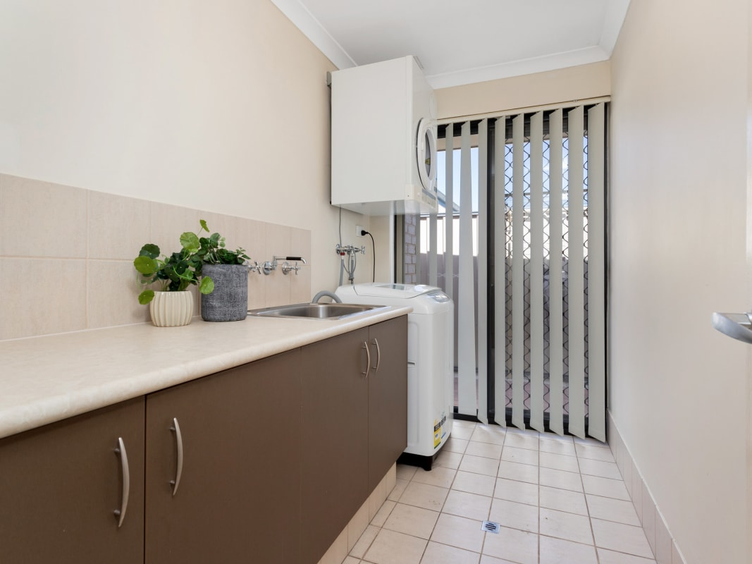 $195, Share-house, 6 bathrooms, Manning Road, Wilson WA 6107