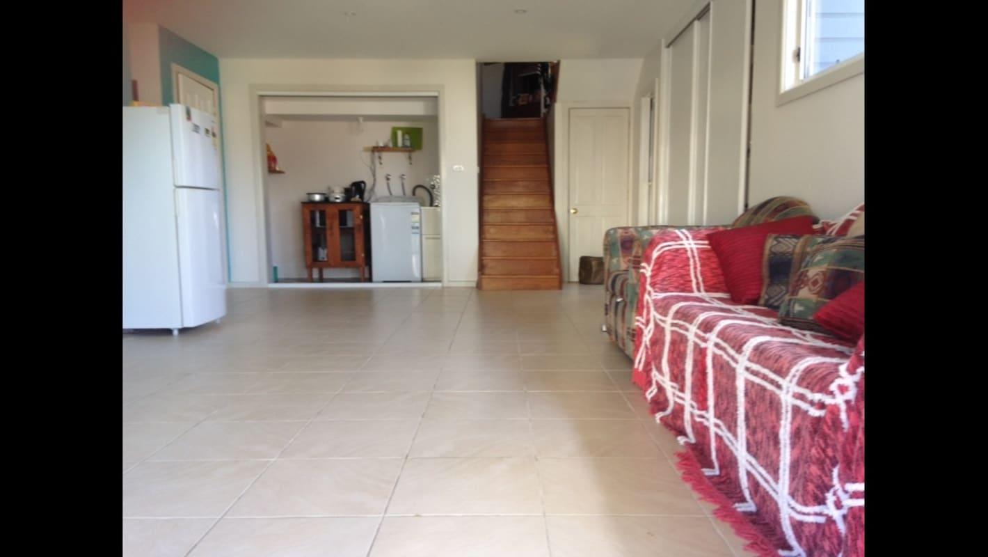 $250, Homestay, 4 bathrooms, Frederick Street, Dudley NSW 2290