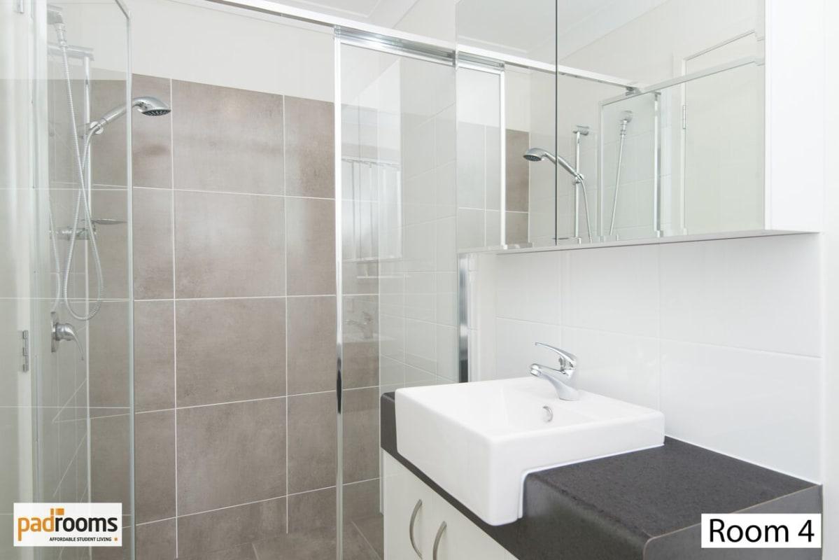 $275, Share-house, 5 bathrooms, Beaudesert Road, Moorooka QLD 4105