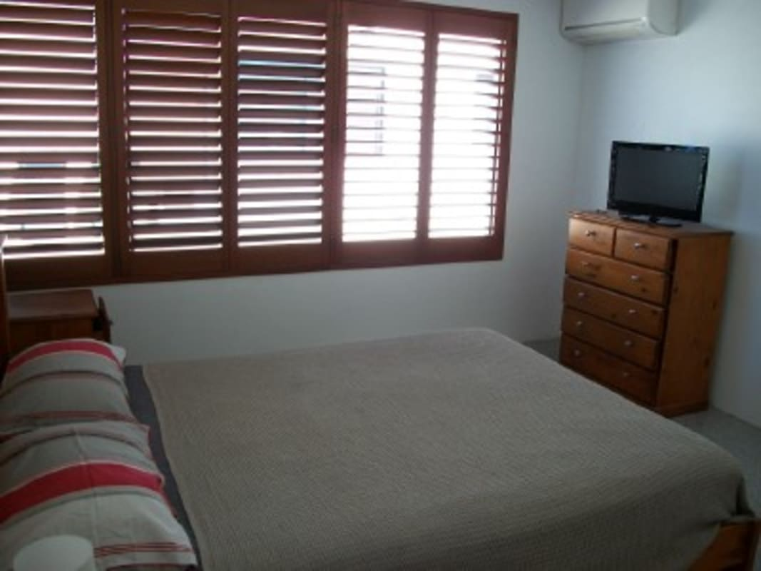 $220, Share-house, 3 bathrooms, Manning Road, Manning WA 6152