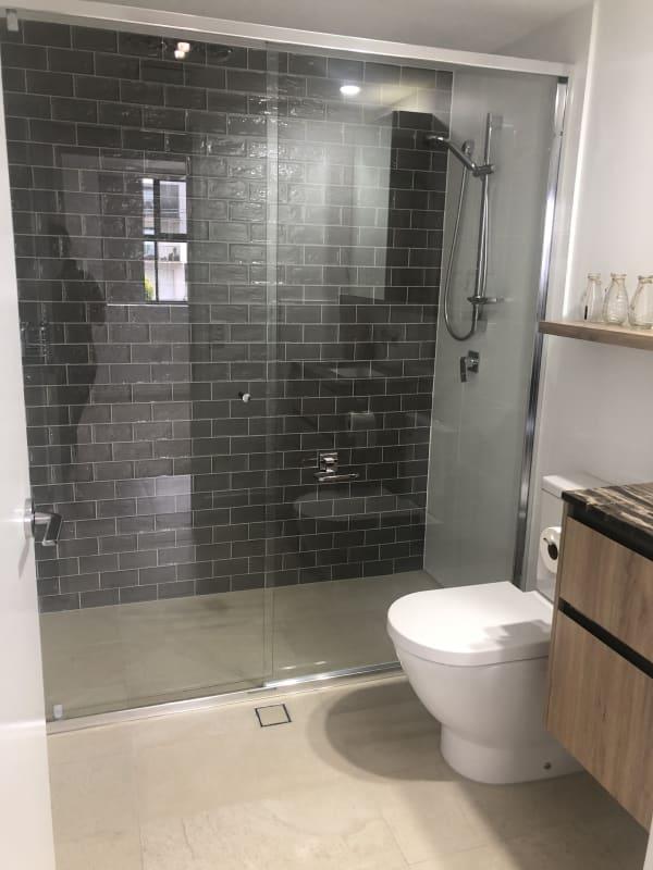 $250, Flatshare, 2 bathrooms, Waratah Avenue, Carina QLD 4152