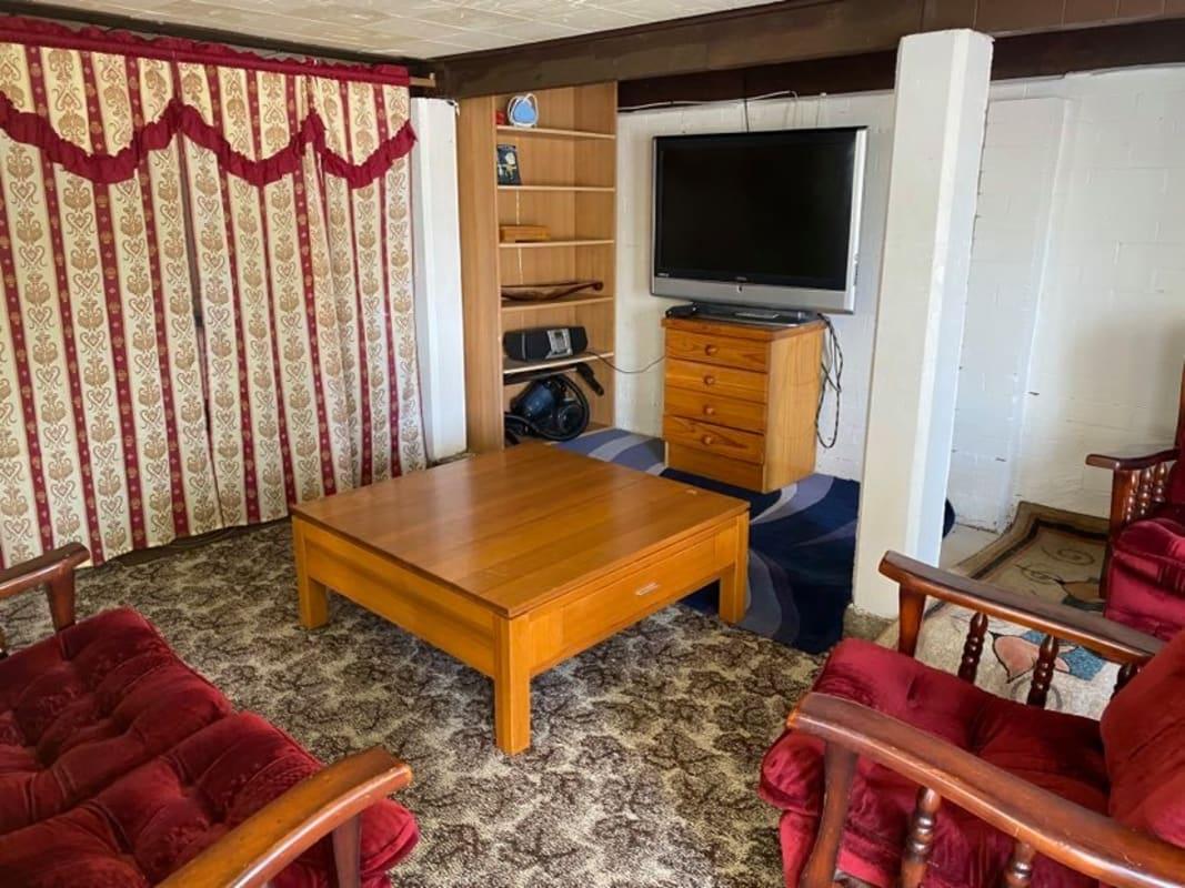 $215, Granny-flat, 1 bathroom, Cabanda Street, Wynnum West QLD 4178