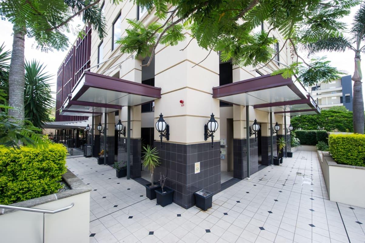 $285, Studio, 1 bathroom, Castlebar Street, Kangaroo Point QLD 4169