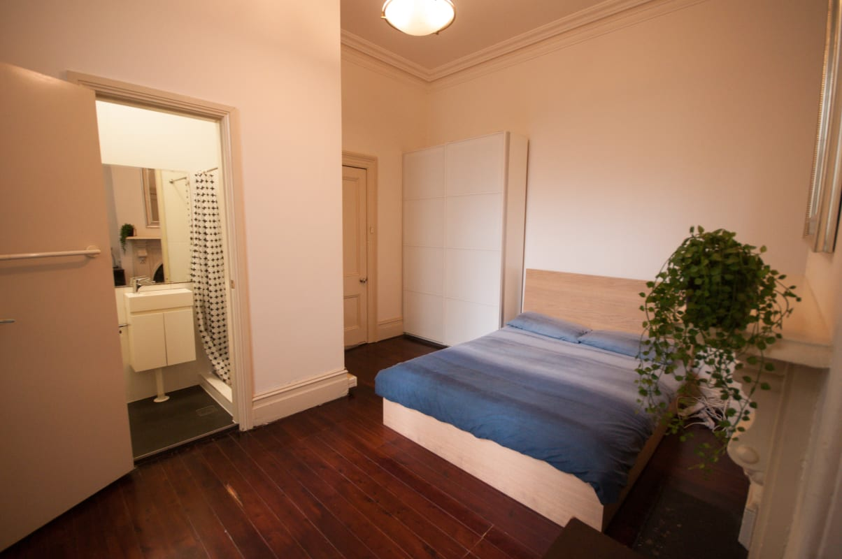 $350, Share-house, 6 bathrooms, City Road, Chippendale NSW 2008