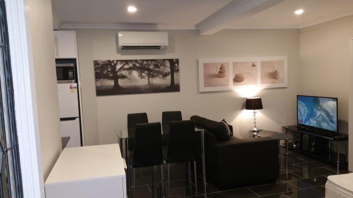 $365, Studio, 1 bathroom, Dell Road, Saint Lucia QLD 4067