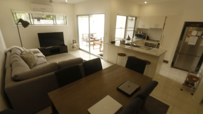 $200, Whole-property, 3 bathrooms, Jones Road, Carina Heights QLD 4152