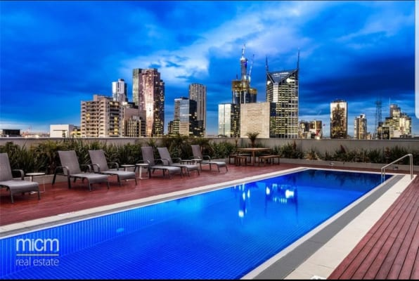 $350, Flatshare, 2 bathrooms, William Street, Melbourne VIC 3000