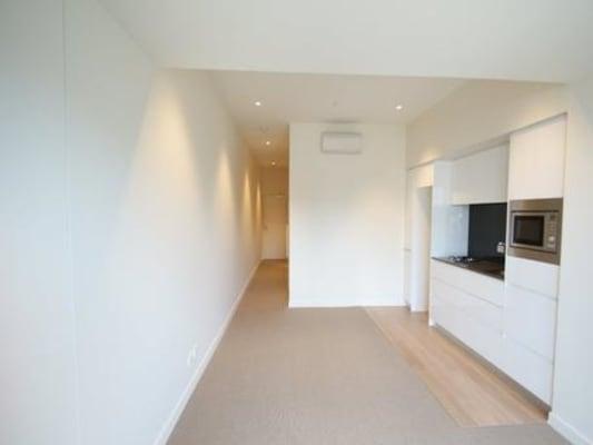 $170, Flatshare, 3 bathrooms, William Street, Melbourne VIC 3000